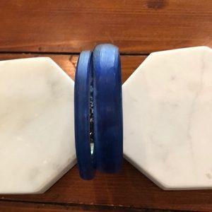 Blue double bangle set.